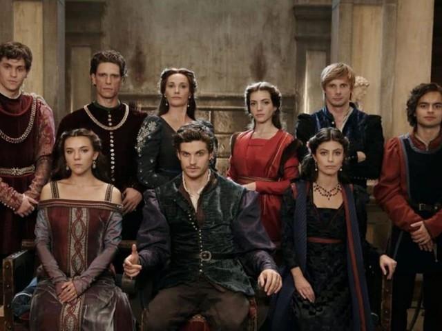 Stasera in tv lunedì 2 dicembre 2019, programmi e film: I Medici, Live – Non è la d'Urso