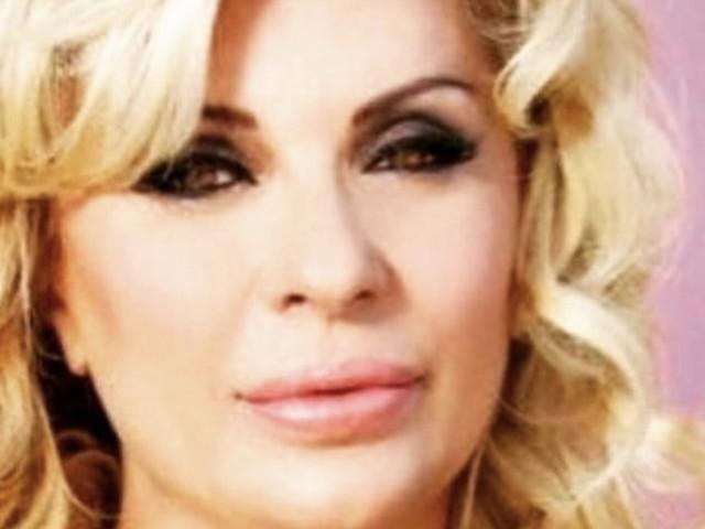 Tina Cipollari annuncia la rottura dal suo compagno Vincenzo