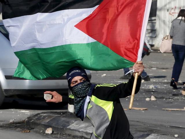 Hamas chiama a una nuova Intifada contro Gerusalemme capitale. Le autorità palestinesi convocano lo sciopero generale