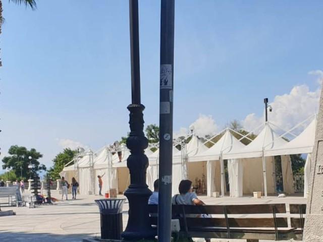 Reggio Calabria, la Fiera del Libro del Lungomare smonta già dal mattino dopo i verbali della Polizia Municipale [FOTO e DETTAGLI]