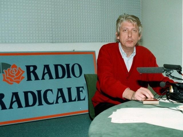 """Radio Radicale, staffetta di firme per la rassegna di Bordin. Salvini pro emittente: """"Preferirei taglio dei mega-stipendi Rai"""""""