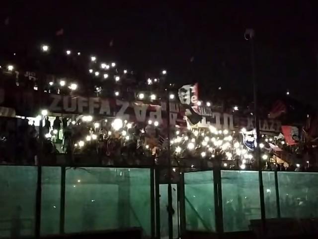 Taranto, blackout e dedica a Nadia Toffa: il coro dei tifosi allo stadio è da brividi