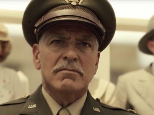 CATCH-22: il trailer della serie Sky con George Clooney
