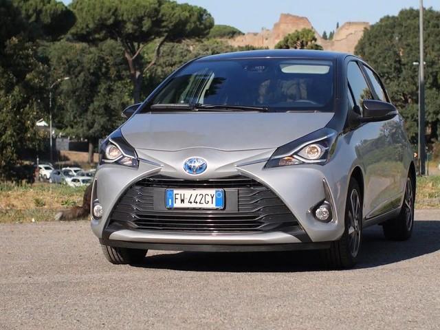 Nuova Toyota Yaris Hybrid Y20