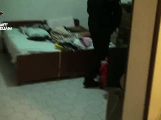 Arrestato uno spacciatore, a casa sua oltre alla droga anche i personal computer rubati all'università di Trapani