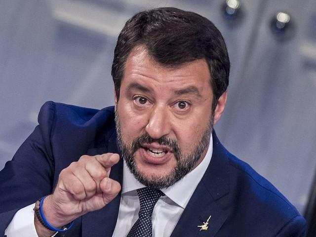 Salvini non mangia più Nutella: contiene nocciole della Turchia