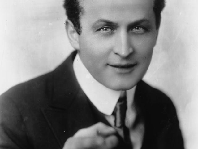 Seduta spiritica per evocare Houdini online!