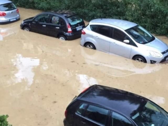 Maltempo da incubo, 200 millimetri di pioggia in 20 minuti: le immagini shock