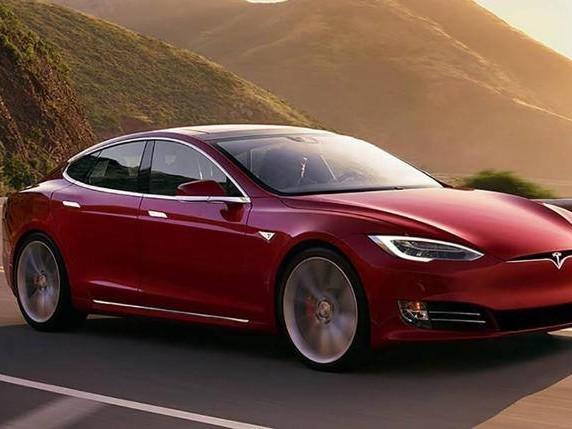 Tesla e guida autonoma, nuovo incidente: «Non c'era nessuno al volante»