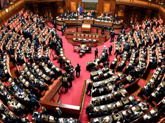 Un rapporto racconta le fondazioni vicine ai partiti italiani