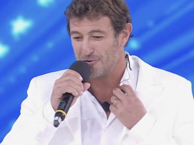 Amici Celebrities: Ciro Ferrara arriva alla semifinale con un ritardo di tre ore, ecco perché
