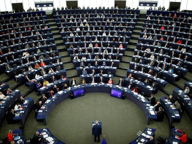 M5s, esplode caso Ciarambino: marito assunto da europarlamentare