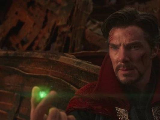 Avengers: Endgame, cosa ha visto Doctor Strange nel futuro? Una teoria lo svela