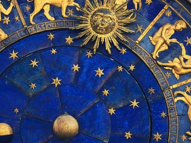 Oroscopo 1 dicembre: maggiore forza per Acquario, probabili incontri per Vergine