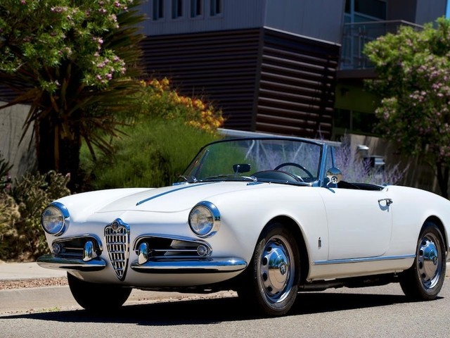 Alfa Romeo - La Giulietta Spider nella serie The Politician