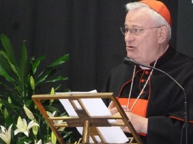 Covid, il Cardinale Gualtiero Bassetti trasferito in ospedale a Perugia