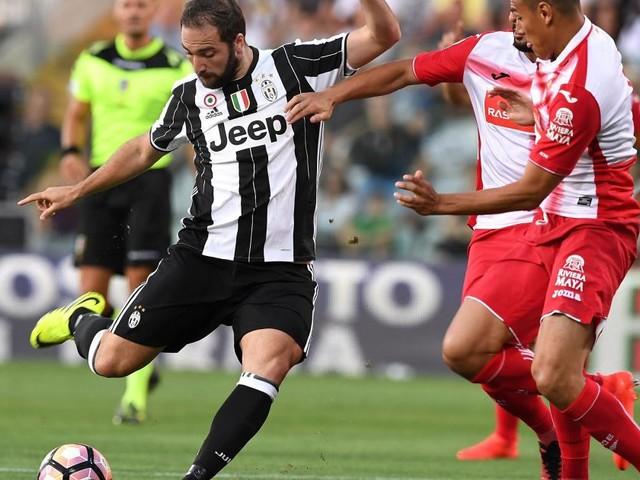 Juventus, Higuan potrebbe tornare in Argentina: Icardi o Jesus i candidati per sostituirlo