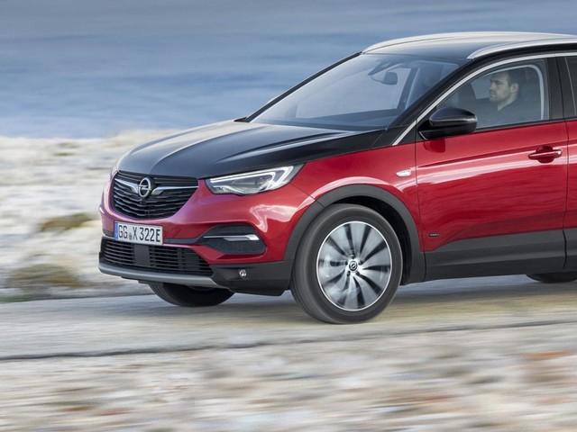 Nuova Opel Grandland X Hybrid4: ecco quanto costa in Germania