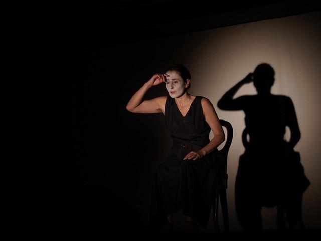 Maternità, spettacolo e riflessione al Teatro Félix Guattari
