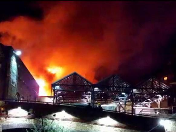 Londra ancora in fiamme, ingenti danni ma nessun ferito