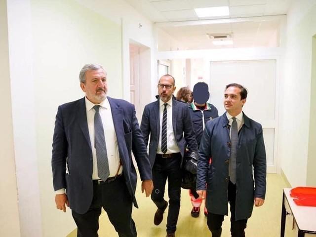 """I precari smascherano il """"trucco"""" di Emiliano: """"La beffa per i sanitari"""""""