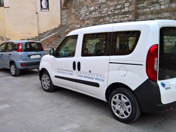 Consegnati dalla Zona sociale n° 4 due automezzi alle Caritas di Marsciano e Todi