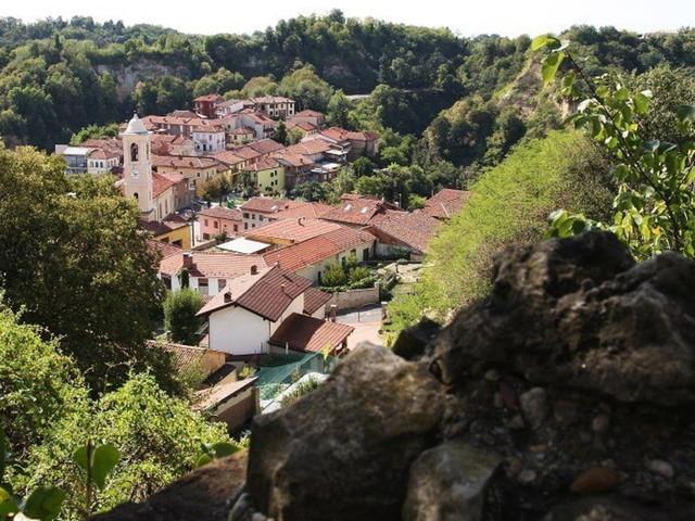 Piemonte: fuori percorso, tra le colline delle Langhe