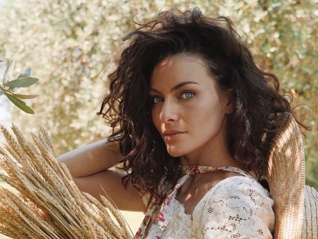 Paola Turani, la sua bellezza fuori dal comune fa sognare: «Irina scansati proprio»