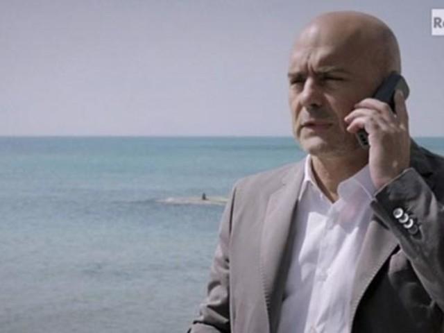 Il Commissario Montalbano in replica il 21 ottobre su Rai1: trama, promo e curiosità su La caccia al tesoro