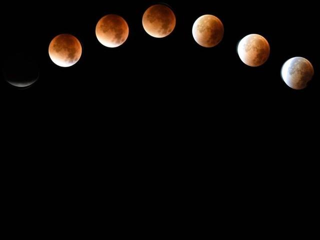 L'oroscopo del giorno 17 settembre: Bilancia innamorata, Capricorno triste