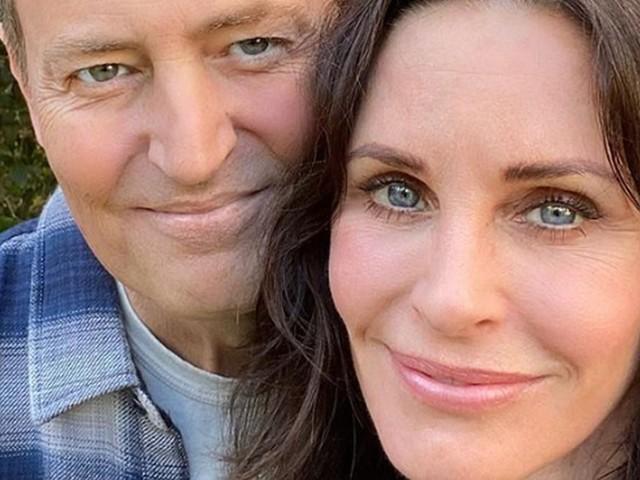 Ancora una reunion di Friends, Monica e Chandler di nuovo insieme: la foto di Courteney Cox e Matthew Perry
