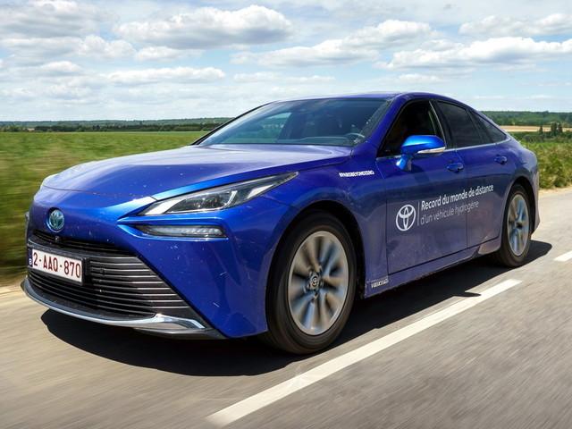 Toyota Mirai da record! Oltre 1.000 km con un pieno d'idrogeno