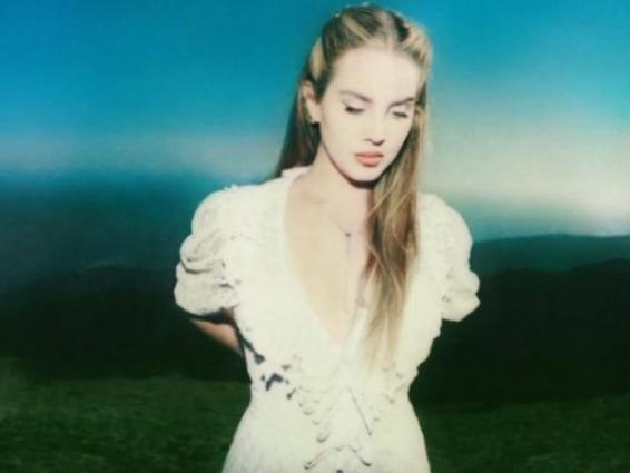 Chemtrails Over The Country Club è il singolo di Lana del Rey, tra aspettative e accuse di razzismo