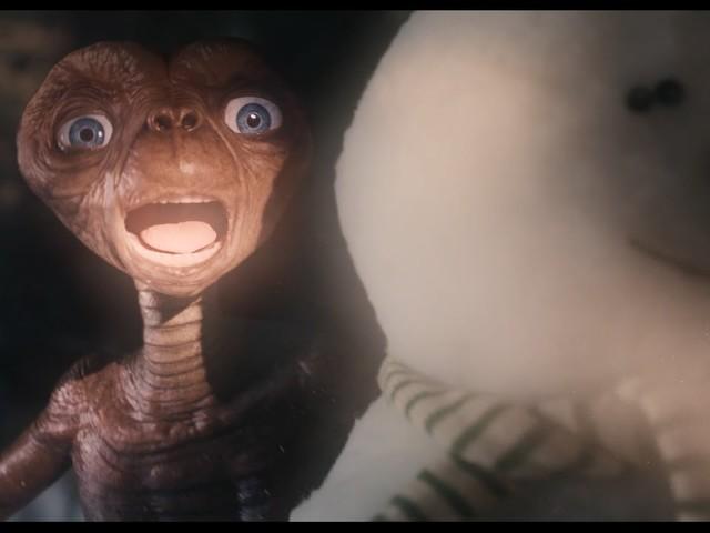 A Holiday Reunion. Lo straniante ritorno di E.T. l'extraterrestre