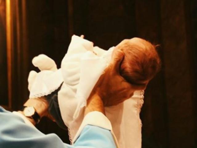 """""""Benvenuto alla luce, Pietro Maria"""". Mamma (a sorpresa per la seconda volta). L'attrice italiana posta la foto del bebè"""