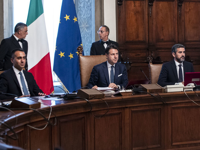 Il Governo invita Puglia e Liguria alla parità uomo-donna per elezioni