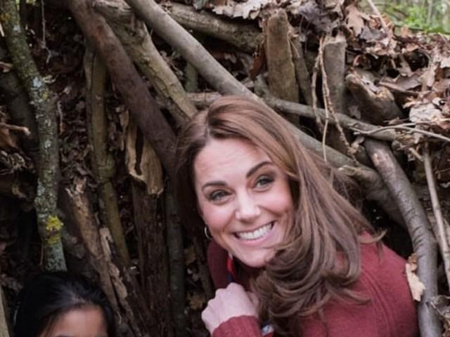 Kate Middleton, maniche rimboccate e 'scarpe da lavoro': la Duchessa di Cambridge in versione giardiniera