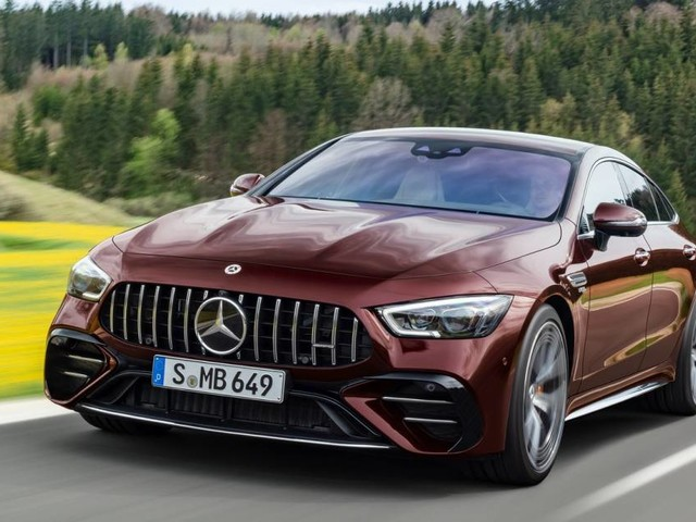 Mercedes-AMG GT Coupé4 - Aggiornata la gamma di dotazioni e personalizzazioni