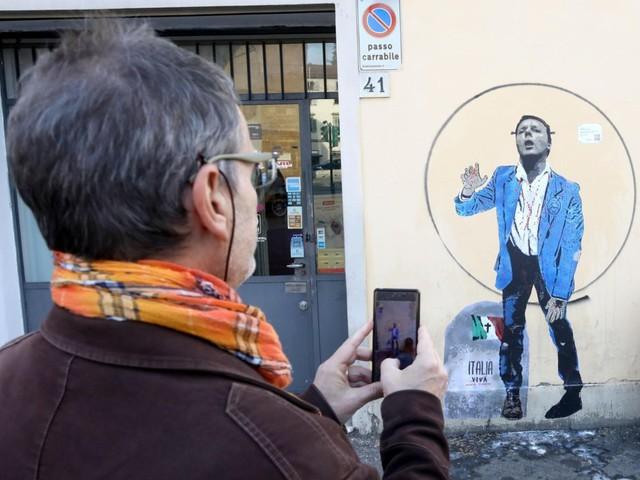 """A Firenze un murales su Renzi dal titolo """"Italia morta vivente"""""""