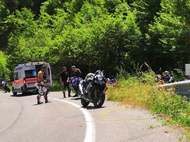 Incidente mortale sulla Tiburtina, al curvone di Pietrasecca motociclista si schianta e perde la vita
