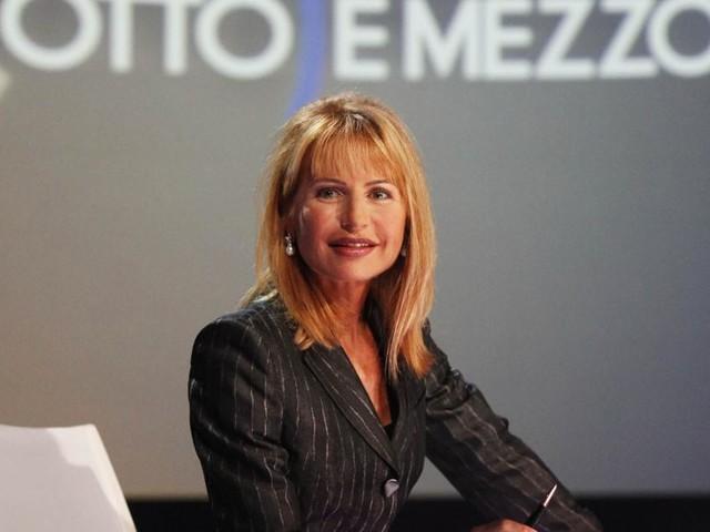 Otto e Mezzo, battibecco tra Lilli Gruber e Borgonzoni: 'I politici li vorremmo vestiti'
