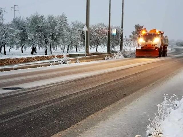 Emergenza neve nel Barese: ancora ghiaccio sulle provinciali, alcune corse bus sospese