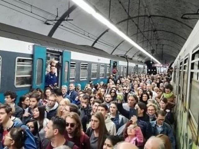 """Ferrovia Roma Nord, tratta da incubo. I pendolari: """"700 corse saltate dall'inizio dell'anno a oggi"""""""