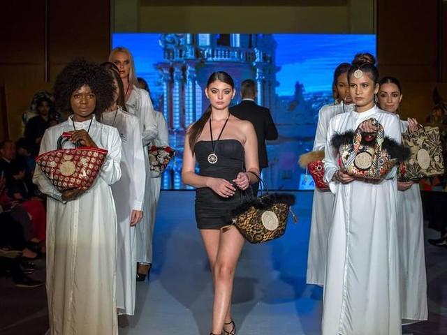 """Moda: la """"coffa"""" siciliana diventa una borsa artistica"""