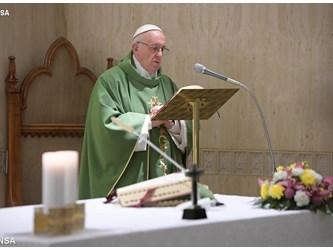 Papa a Santa Marta: gratuità della salvezza di Dio apre porta agli altri