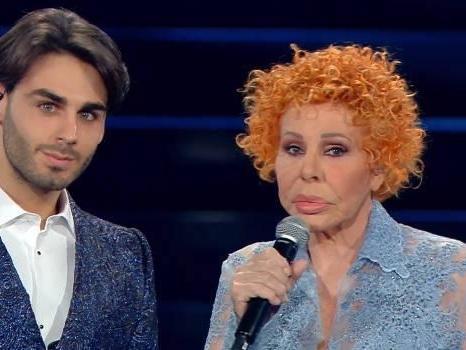 Alberto Urso e Ornella Vanoni cantano La voce del silenzio a Sanremo (video)
