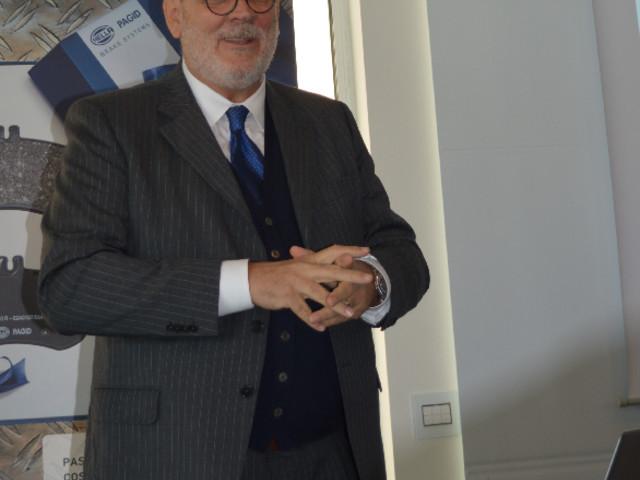 Accordo strategico per la distribuzione in Italia della gamma Filtri HELLA Hengst