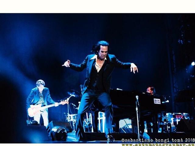 Nick Cave risponde a un fan 'omofobico'