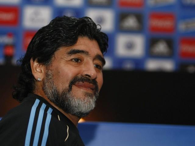"""Morte Maradona, il retroscena: """"Una settimana prima era caduto, ma nessuno lo aveva soccorso"""""""