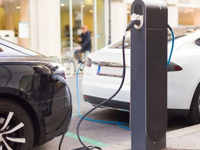 Quanto costa un'auto elettrica oggi